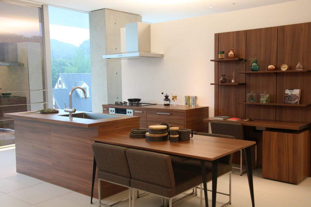 グラフテクト(GRAFTEKT)キッチン一番人気色 ブラウン色。トータルコーディネート