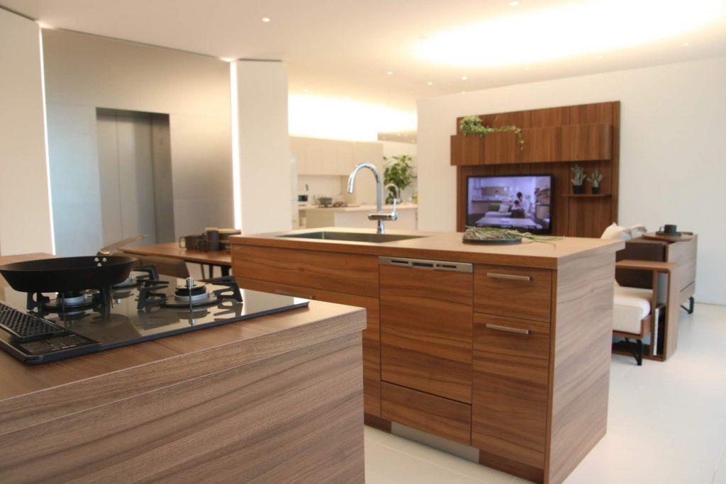 グラフテクト(GRAFTEKT)キッチンのブラウン色、別角度から