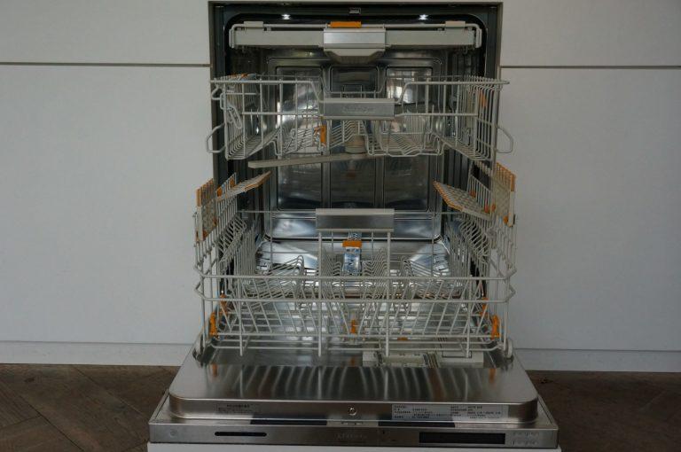 ミーレのビルトイン食洗機はフロントオープン型