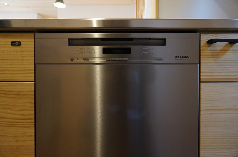 ステンレスドア材のミーレ食洗機60cm