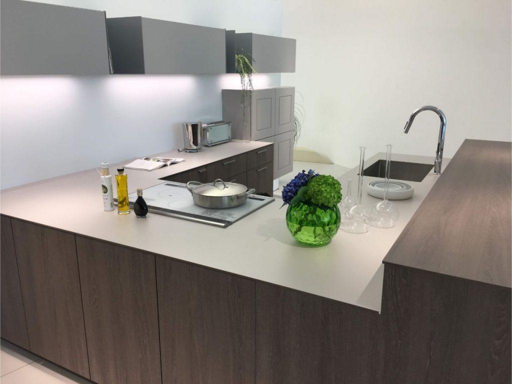 コの字型(U型)キッチンの実例