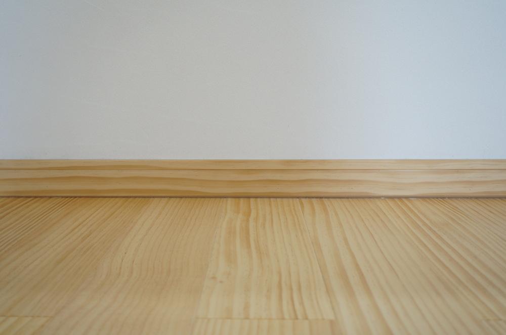 パイン材の幅木