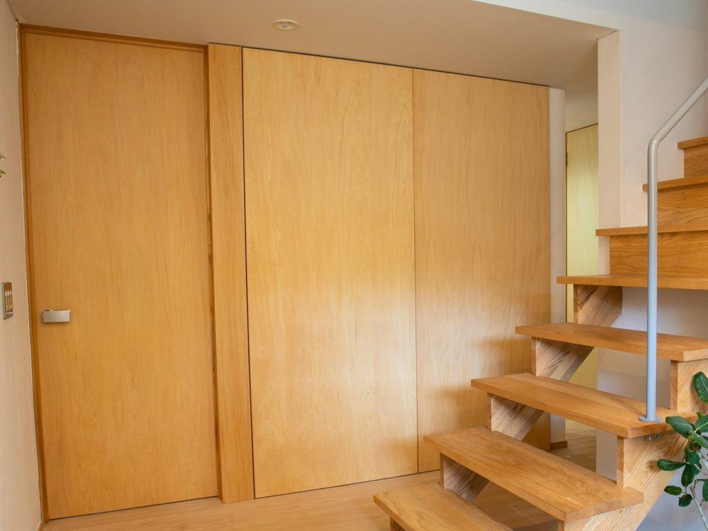 シナ合板の扉材